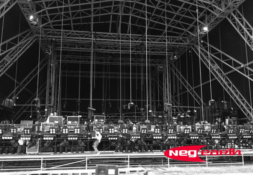 Neg Earth Experts At Entertainment Lighting And Rigging Hire